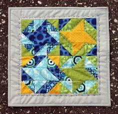 Elizabeth's Friendship Hexagon Mini for the Modern Mini Challenge at Ellison Lane Quilts
