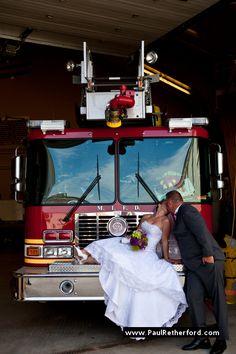 mackinac island fire engine wedding photo