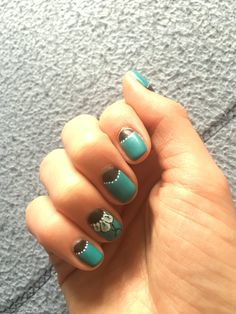 Vert d'eau - bleu marine - pétale de fleurs