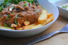 Er is niks lekkerder dan stoofvlees uit de slowcooker en bij stoofvlees horen lekkere dikke frietjes. Maak het lekkerste frietje stoofvlees zelf!