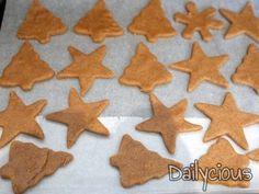Χριστουγεννιάτικα Μπισκότα | Dailycious.gr Gingerbread Cookies, Holidays, Desserts, Food, Gingerbread Cupcakes, Tailgate Desserts, Holidays Events, Deserts, Holiday