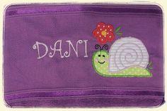 toalha bordada com aplicação de tecido