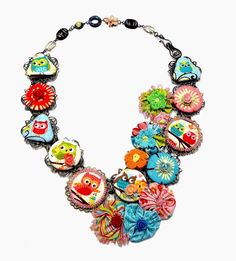 Carmi's Art/Life World: The Happy Flappers Necklace with Fabric by Kelly Panacci #happyflappers #rileyblakedesigns #kellypanacci #carmicimicata #necklace