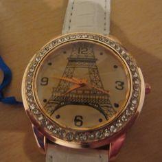 Torre Eiffel withe watch de Victoriaprettyangels en Etsy
