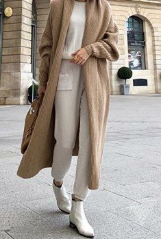 Winter Street Style Outfits That Keep You Stylish and Warm . Winter Street Style Outfits that keep you stylish and warm , Winter Street Style Outfit. Street Style Outfits, Look Street Style, Mode Outfits, Fall Outfits, Fashion Outfits, Fashion Trends, Fashion Clothes, Street Styles, Women With Street Style