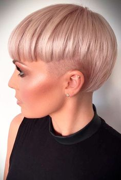 53 - 2019 most beautiful blunt hair design - 1 Blunt haircuts are for those who don't want to get long curls for fashion. It will help you get volume . Blunt Hair, New Hair Do, Pelo Pixie, Long Face Hairstyles, Easy Hairstyles, Trendy Haircuts, Fashionable Haircuts, Haircut And Color, Diane Kruger