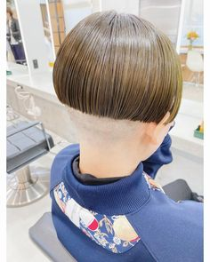 Shaved Nape, Hair Models, Bowl Cut, Page Boy, Short Bob Hairstyles, Shaving, Bowls, Short Hair Styles, How To Look Better