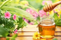 Instead of refined sugars, give local honey a try!  Here are the benefits of using healthy honey #skinnyms #alternatives