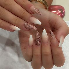 Try this so in right now.... #pinknails