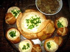 Na Cozinha da Margô: Pão Italiano com Creme de Queijo Fondue, Baked Potato, Camembert Cheese, Food And Drink, Potatoes, Meat, Baking, Ethnic Recipes, Blog