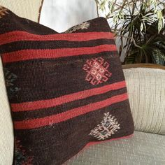 Turkish Anatolian authentic hand-knotted madder dye kilim pillow cushion 40x40cm #handwoven #Bolsters