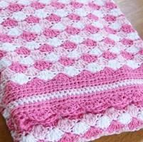 Crocheting : Waves of Pink Baby Blanket