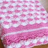 Crocheting : Waves of Pink Baby Blanket