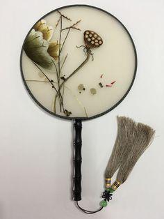 Su Xiu 3D Lifelike Seedpod of the lotus Embroidery Silk Hand Fan Stitchwork