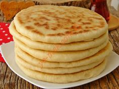 Mayalı Bazlama Turkish Recipes, Greek Recipes, Plates, Homemade, Meals, Breakfast, Bread, Food And Drinks, Cooking