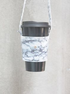 Snow white marble green bag set design hand-made beverage bag custom-made your own English tag Drink Bag, Drink Holder, Cupping Set, Custom Bags, Green Bag, Travel Mugs, White Marble, Snow White, Beverages