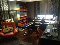 I want a Recording Room/Studio like this~!! This room is actually Jaejoong's! hehe