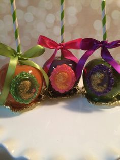 Designer Candy apples. by KLDesserts on Etsy, $4.25 These candy apples are gorgeous and perfect for a wedding or babyshower.  I love the shimmer on the cameo! It's gorgeous