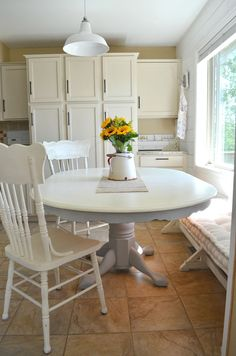 Chalk Paint Dining Room Furniture New Diy Projects Chalk Paint Dining Table Makeover Dining Room Design, Painted Dining Room Table, Chalk Paint Dining Room Table, Rustic Dining Room, Dining Table Makeover, Farmhouse Dining Room, Chalk Paint Dining Table, Dining Room Remodel, Painted Dining Table