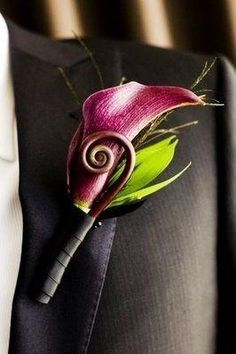 Calla lily and fiddlehead bout. Elegant