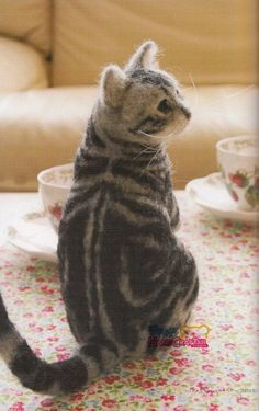 NEEDLE FELT Realistic Dogs & Cats - Japanese Craft Book this cat looks so real....just like my cat.xx