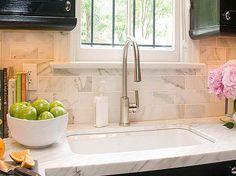 Uberlegen Calacatta Gold Marble Slab With Hanger Faucet