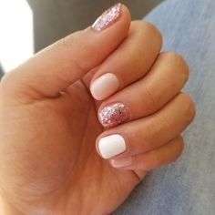 Are you looking for simple cute natural summer nail color designs See our collection full of simple cute natural summer nail color designs 2018 and get inspired! The post Simple Cute Natural Summer Nail Color Designs 2019 appeared first on Fox. Fancy Nails, Trendy Nails, Diy Nails, Cute Nails, Summer Shellac Nails, White Summer Nails, Summer Toenails, Glitter Nails, Summer Pedicures