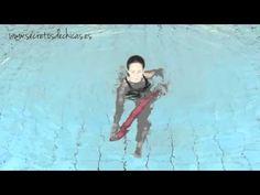 ▶ Aquagym: Ejercicios en el agua con el churro