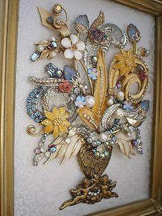 VINTAGE RHINESTONE JEWELRY ART FRAMED FLOWER BOUQUET PIN TREE