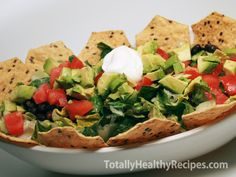 I was worried that a super healthy taco salad recipe just wouldn't hit the spot, but I was wrong! This salad is low-cal, packed full of nutrients, and so delicious!