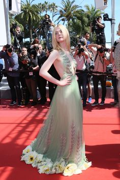 CANNES, FRANCE - MAY 21: Elle Fanning attends the 'How To Talk To Girls At Parties' screening during the 70th annual Cannes Film Festival at Palais des Festivals on May 21, 2017 in Cannes, France. (Photo by Tony Barson/FilmMagic) via @AOL_Lifestyle Read more: https://www.aol.com/article/entertainment/2017/05/21/cannes-film-festival-2017-day-5/22103478/?a_dgi=aolshare_pinterest#fullscreen