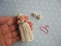 Miniatur Taufkleid Mütze Schuhe für OOAK Baby -.- Mniature doll clothes handmade Christening Dress Made by Mam-m-mi http://www.ebay.de/usr/mam-m-mi
