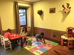 En el #HotelSantaCristina disponemos de Sala de #juegos con #playstation, #pinturas, #cocina, #puzzles, #construcciones para que los #peques se diviertan mientras disfrutas del hotel
