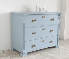 Antieke zweedse keukenbank geschilderd met uula into meubelverf in de kleur nevelwit interior - Geschilderd zink ...