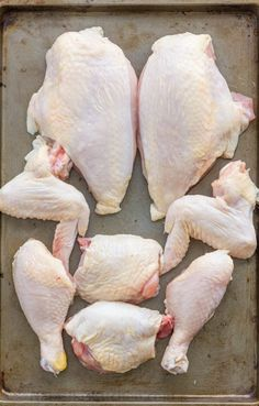 Cutting a whole chicken is easy! Video tutorial on how to cut a whole chicken! Save money and use the carcass for the homemade chicken stock! Chicken Bones, Raw Chicken, Fresh Chicken, Frozen Chicken, Baked Chicken, Chicken Recipes, Chicken Meals, Turkey Recipes, Using The Whole Chicken
