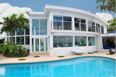 This reminds me of Nolan's house in Revenge :)