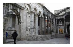 #Croatia #Split   Diocletian's Palace, Peristyle and vestibule / Dioklecijanova palača, Peristil i Vestibul. photographer: Martin Barlow