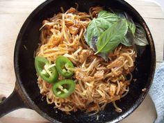 smoky chicken pad thai with link to tamarind-free pad thai; no tamarind pad thai