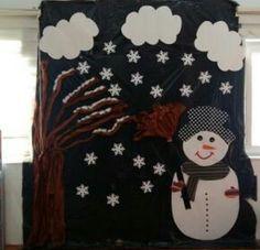 Preschool Classroom Decor, Diy Classroom Decorations, School Decorations, Snowman Crafts, Christmas Crafts, Christmas Time, Winter Bulletin Boards, Winter Crafts For Kids, Indoor Activities For Kids
