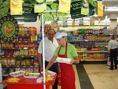 #Azafatas y #promotoras para promoción comercial en supermercados de #Barcelona. http://www.publidirecta.com/agencia-de-azafatas-y-promotoras-en-barcelona/