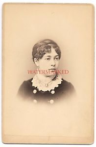 ID-039-d-Fisher-Cabinet-Card-Photo-Photographer-Fritz-in-NJ-Woman-w-Collar-amp-Curls