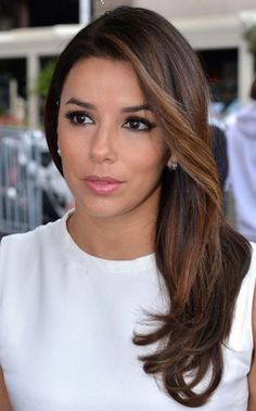 Eva Longoria Hairstyles: Side-swept Hairstyle