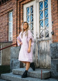 LINEN Swan Dress -pellavamekko, vaaleanpunainen | PURA Finland Malli, Finland, Swan, Shirt Dress, Shirts, Dresses, Fashion, Moda, Shirtdress