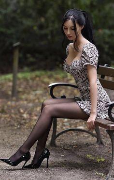 Sheer Tights, Black Tights, Beautiful Asian Women, Beautiful Legs, Amazing Legs, Amazing Women, Women Legs, Sexy Women, Asian Woman