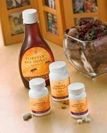 Forever Bee Honey met natuurlijke fructose en glucose is heerlijk in uw dagelijkse bereidingen ter vervanging van andere zoetstoffen. Forever Living Products biedt u 100% natuurlijke bijenproducten. Onze bijenkorven bevinden zich op een ideale locatie, in een zuivere omgeving die vrij is van pesticiden en andere verontreinigende stoffen. Al onze bijenproducten – Honing, Royal Jelly, Bee Pollen en Bee Propolis – zijn puur natuur en rijk aan voedingsstoffen.