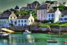 Le port de Doélan, un des plus jolis abris de la cote Cornouaillaise, entre Concarneau et Lorient.