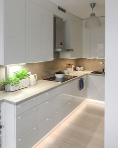 L-KEITTIÖ KUVIA 4 – Puustellin Keittiögalleria Kitchen Drawers, Kitchen Cabinets, Küchen Design, House Design, Modern Kitchen Design, House Rooms, Kitchen Interior, Interior Inspiration, Home Kitchens