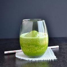 Vanilla Almond Chai Green Smoothie HealthyAperture.com