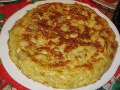 Tortilla Espanola my mom makes the Best One Cuban Cuisine, Peruvian Cuisine, Spanish Cuisine, Peruvian Recipes, Cuban Recipes, World Recipes, Tapas, My Favorite Food, Favorite Recipes