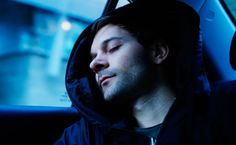 Nap lovers will love it: Here is Hypnos, a hoodie especially designed for impromptu naps! With its inflatable hood that turns into a pillow,